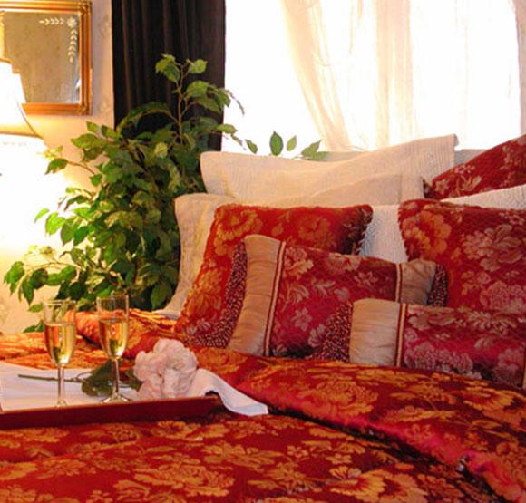 Honeymoon House at Julian Gold Rush Hotel
